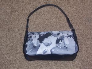 kiss-purse.jpg