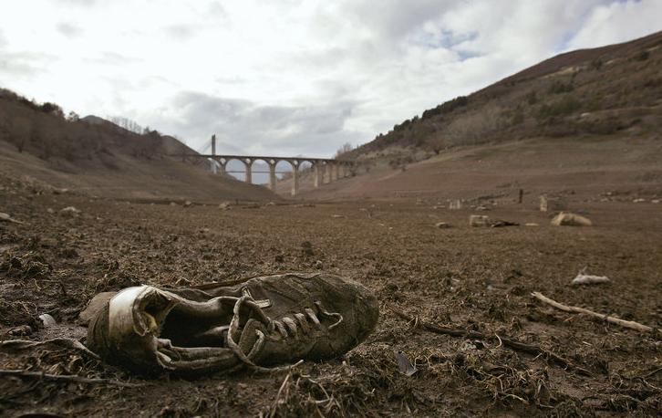 shoe-desert.png