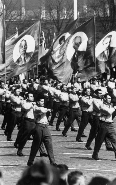 soviet-may-day-marching