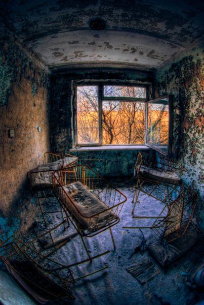 chernobyl-hospital-ruin