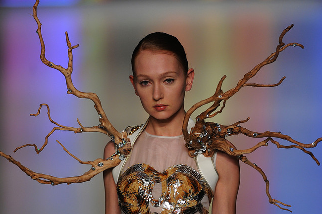 tree model Mountain Yam Hong Kong fashion show
