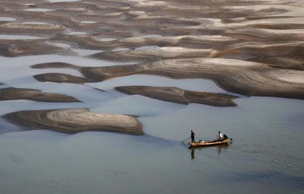 Yangtze dried-up riverbed