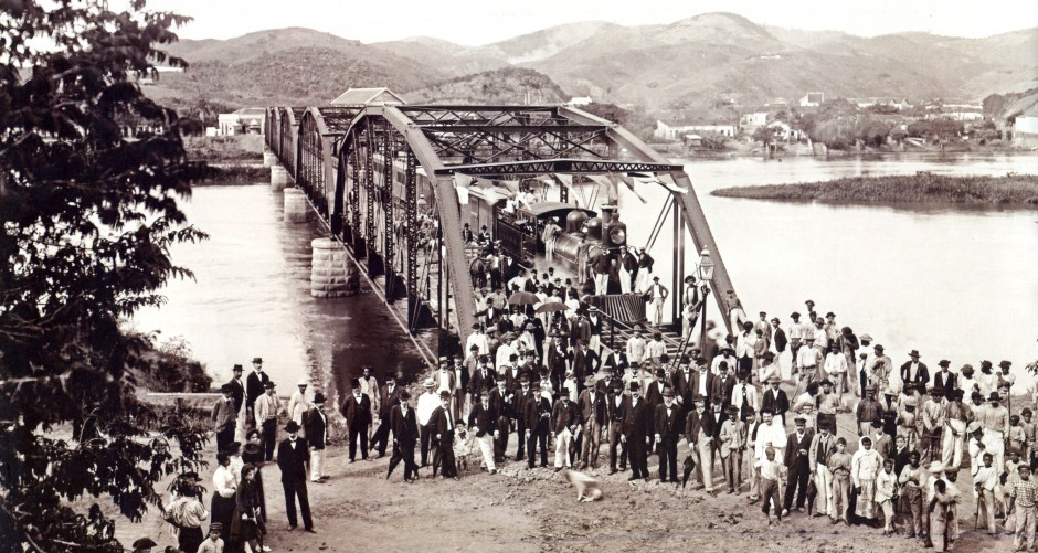 cropped-Inauguration_of_railroad_bridge_brazil_1888